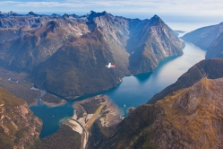 Flying through Fiordland with Milford Sound Scenic Flights.